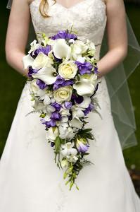Hvorfor bærer bruden brudebukett?