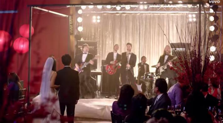 maroon5 Overrasker i bryllup