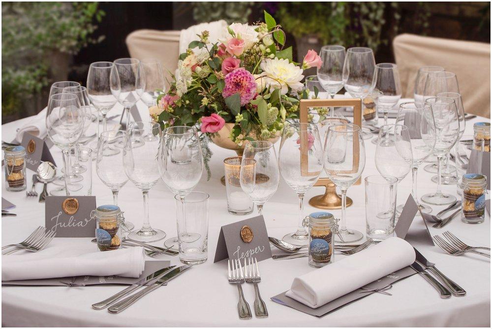Bordoppdekning bryllupsbordet